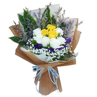Harmony (9 Mixed Roses Floral Bouquet)