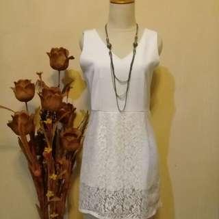 Lovely White dress 😍