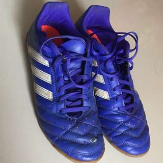 Sepatu Futsal Adidas / Adidas Futsal Shoes