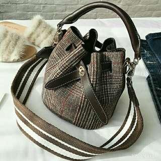 Korea Vintage Style Buckle Bag