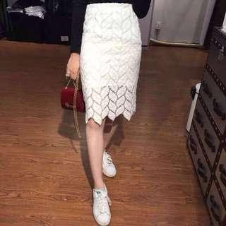 原價800/包臀厚蕾絲白色葉子及膝裙