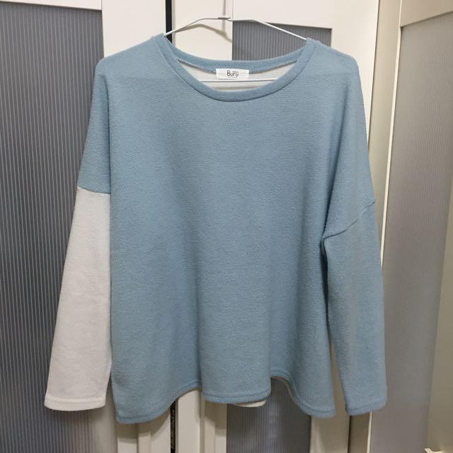 藍白撞色上衣