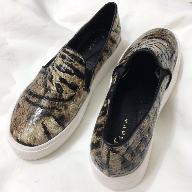 [全新]虎紋花色蛇皮紋路漆皮厚底鞋鬆糕鞋平底鞋休閒鞋