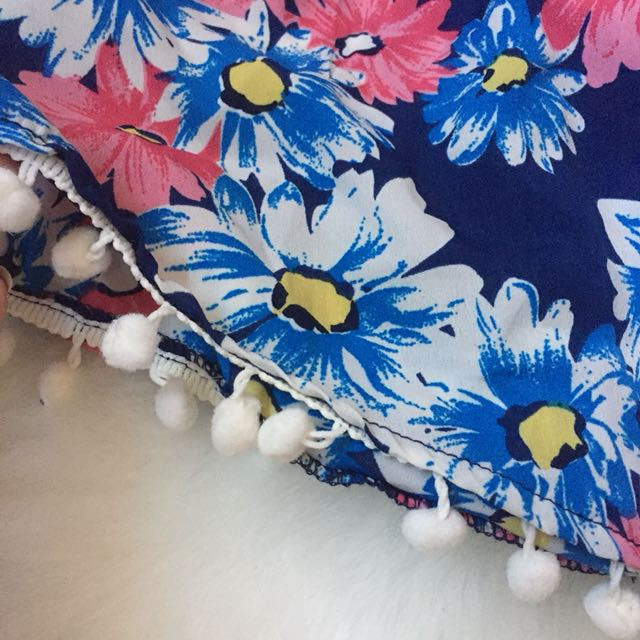 🎀 Blue Floral Beach Shorts Size 8
