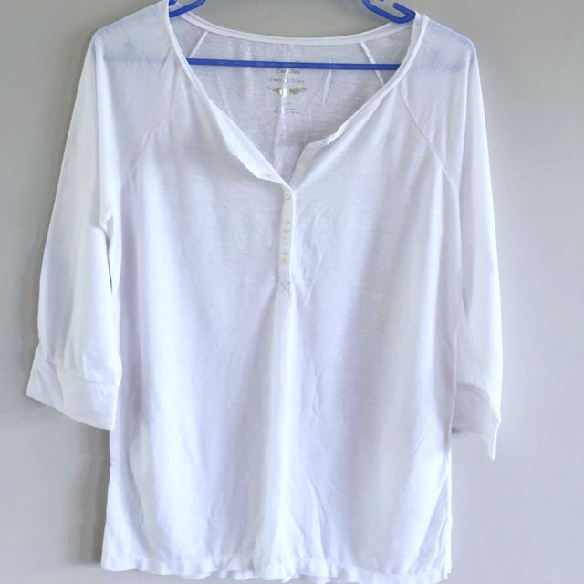 AMERICAN EAGLE White T-shirt
