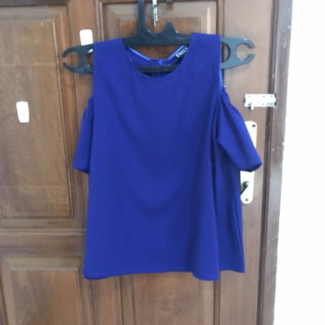 Atasan Biru off shoulder