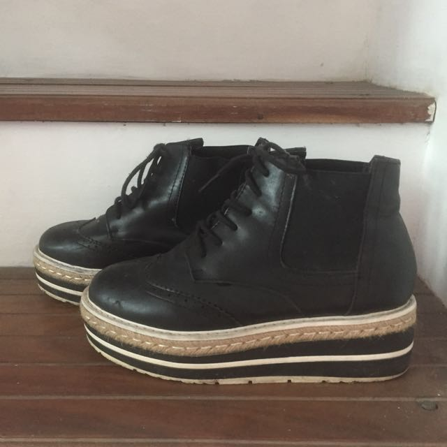 Balck Platform Boots