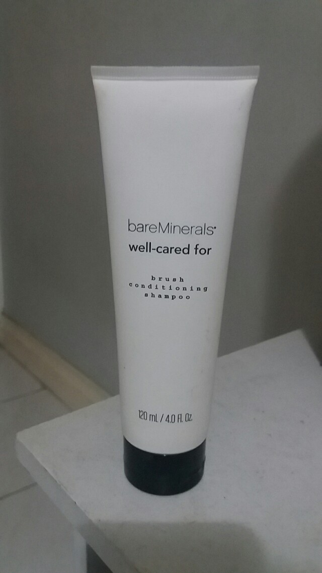 Bare Minerals Brush-conditioning shampoo