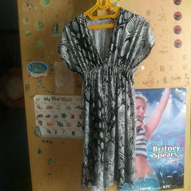 Black and White motif dress
