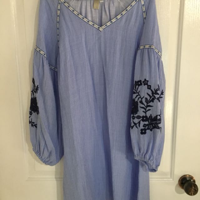 Blue and white flow dress