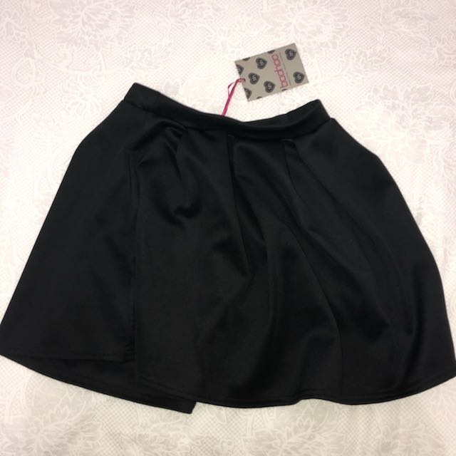 BRAND NEW BLACK PLEAT SKATER SKIRT