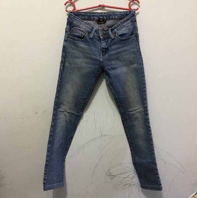 Celana jeans dust