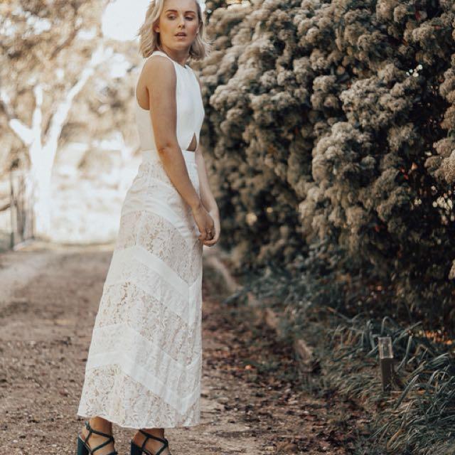 Fame & Partners lace dress