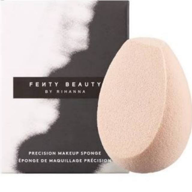 Fenty Beauty makeup sponge