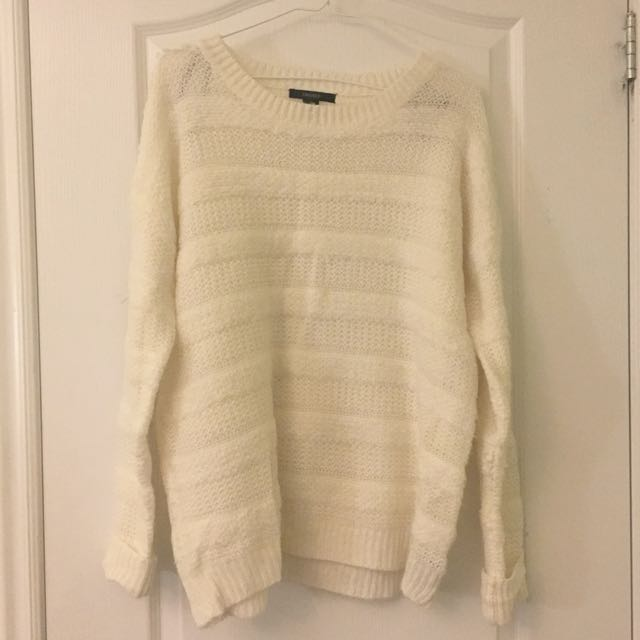 Forever 21 sweater size L