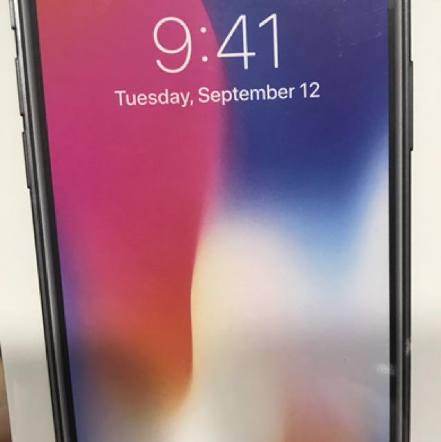 I phone x 256g   太空灰全新未拆封降價囉!