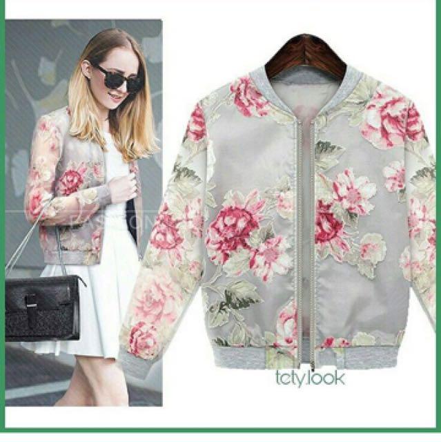 Jaket bomber wanita motif floral