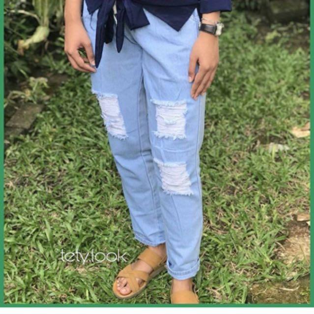 Jeans sobek light blue