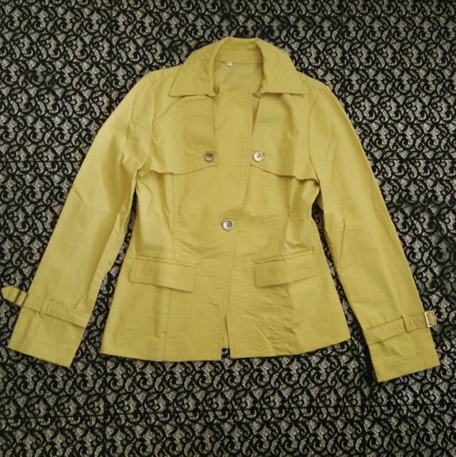 Mantel wanita