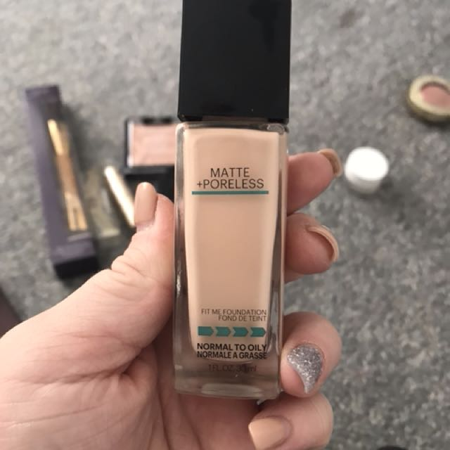 "Maybelline fit me Foundation ""112"""