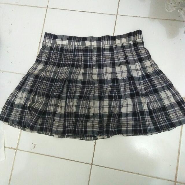 Monochrome Korean Tennis Skirt