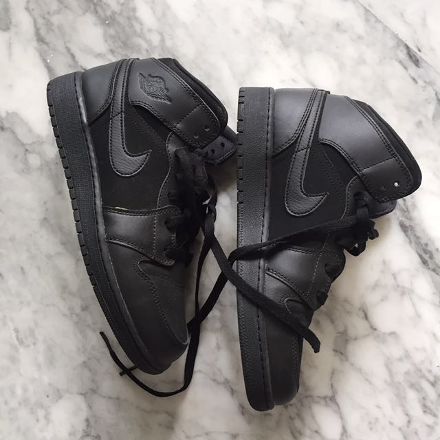 Nike air jordan high all black size 39 like new‼️