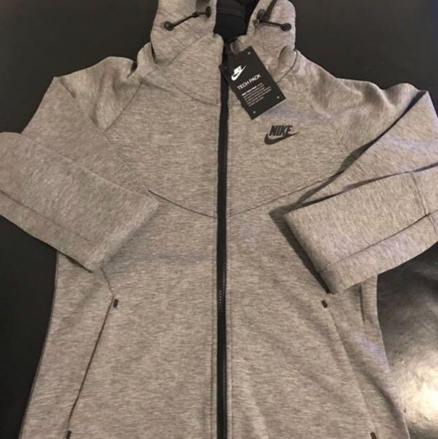 Nike hi-tech hoodie