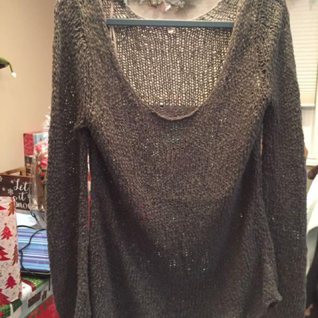 Olive green knit sweater size medium never worn