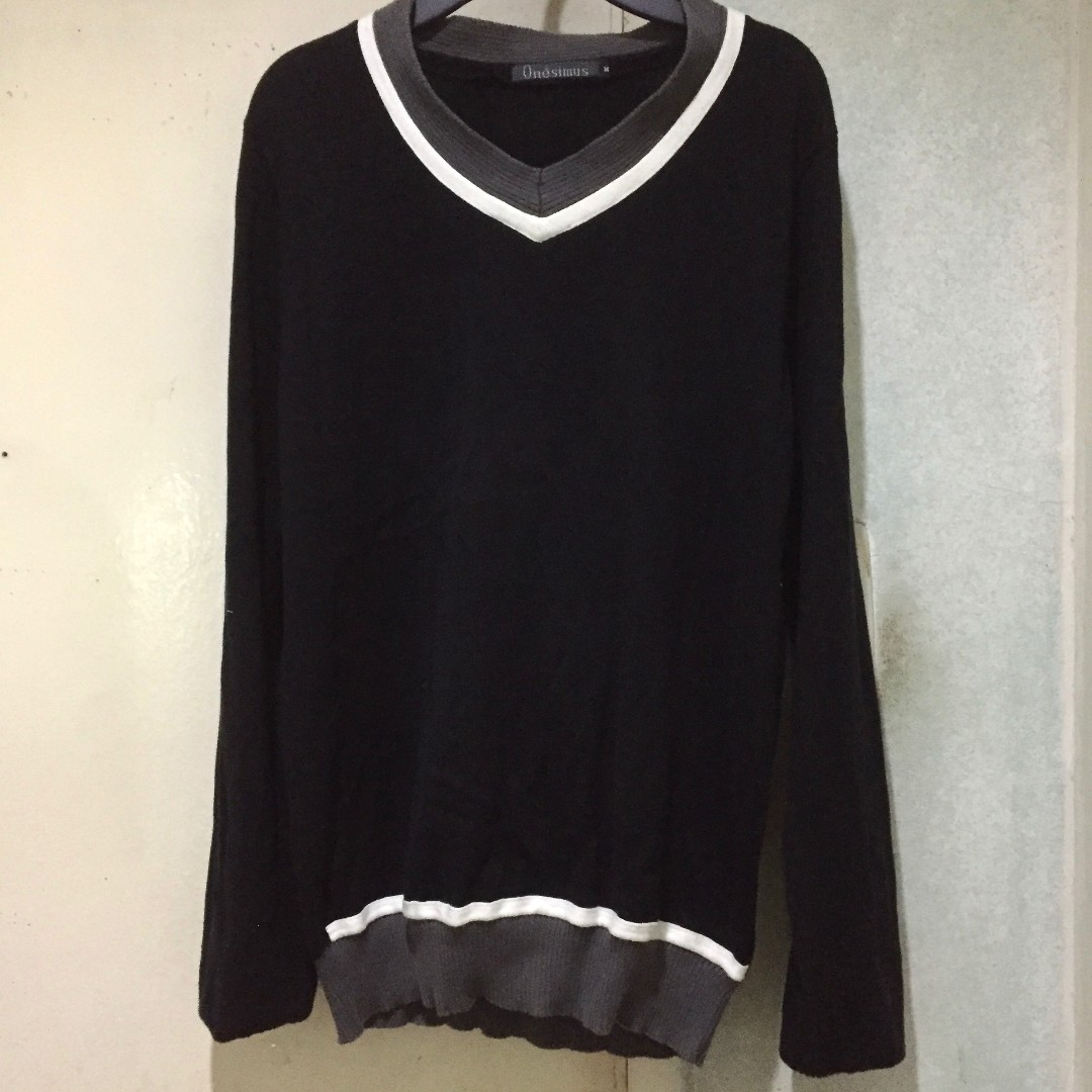 Onesimus Black Sweater Uniqlo H&M Lacoste Fred Perry Tommy