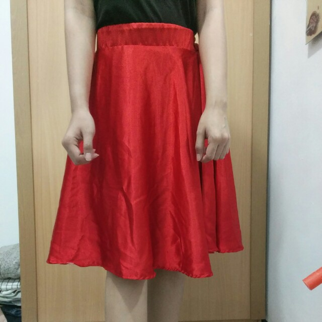 Rok Merah Satin