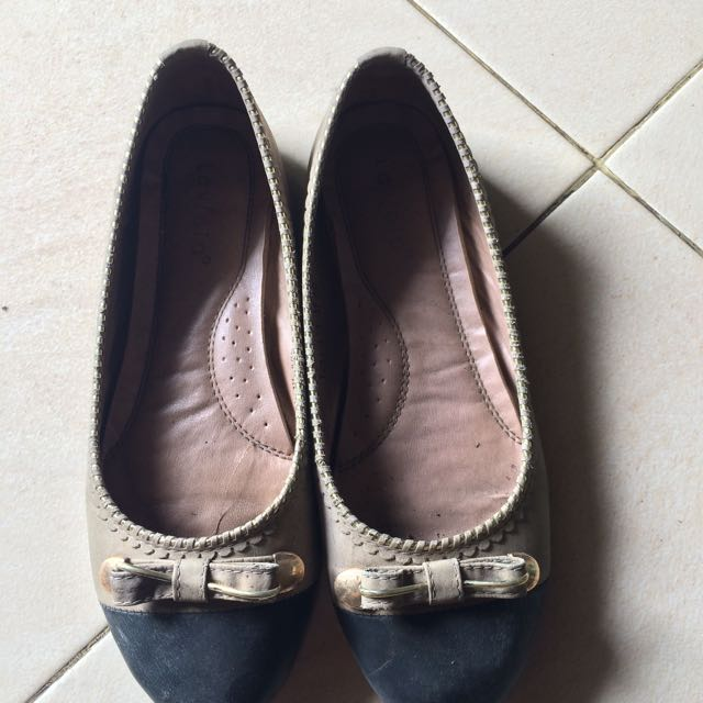 Sepatu merk Laviola (brand matahari)