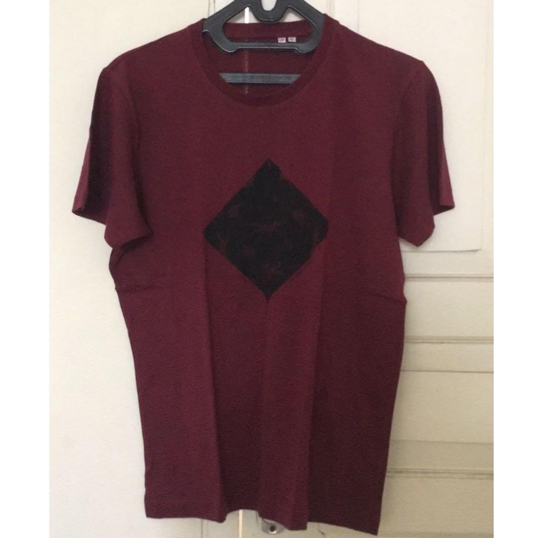 Uniqlo Tshirt ( size S & M)