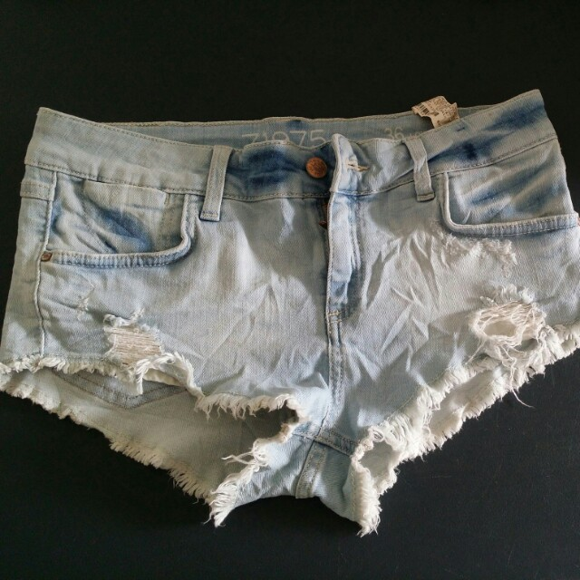 Zara low rise shorts