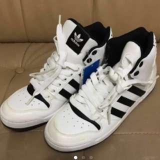 割Adidas Sport Shoes