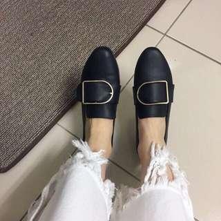 🚚 復古軟皮革短跟 尖頭鞋 方釦鞋 黑皮鞋尺寸24(38)