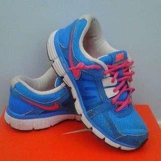 Price drop-Nike shoes