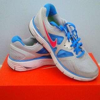 Price drop- Nike shoes