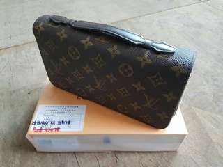 LV Men's Clutch