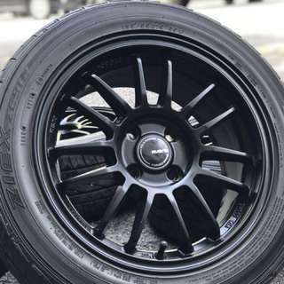 Re30 15 inch sports rim alza advance tyre 95% . Black rim mean you macho brother!!!