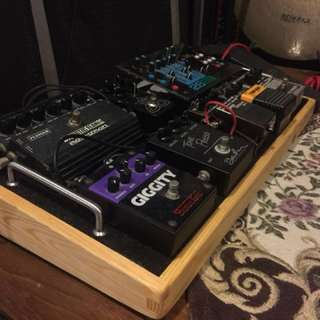 Well made pedalboard