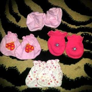 Sarung tangan dan kaos kaki bayi (take all)