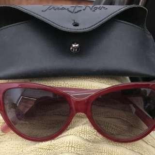 Tres Noir ultra lux sunglasses