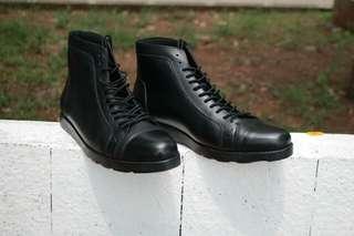 Sepatu Boots Pria Casual Kulit Asli Boston Braga Hitam