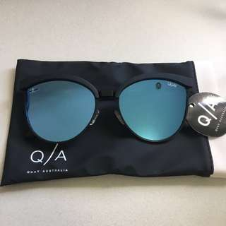 Quay Australia Star Dust Sunglasses Black/Blue