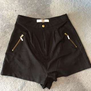 High waisted shorts - Size 8