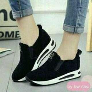 Sepatu Kets Sneakers R AMS 820 Black Hitam