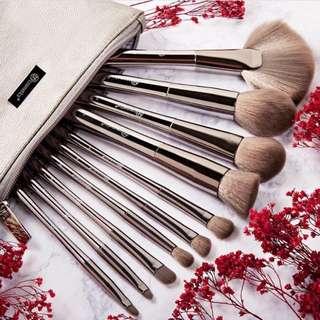 Instock sale! Bh Cosmetics Smoke and Mirrors 10 Piece Brush Set