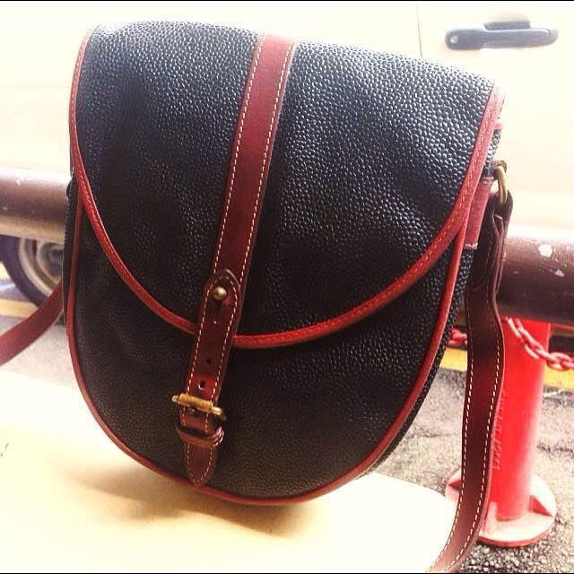 02d98a6314 100% Authentic Mulberry Black Brown Leather Trim Sling Bag Made In ...