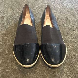 Wittier Patent black flats. Size 40