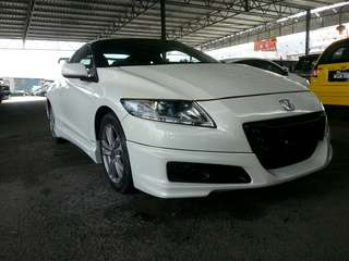 Honda Crz year 2012 hybrid 1.5cc fuel save and powerful engine  with bodykit and spoiler clean interior foldable side mirror smooth engine good conditions with cornering any info can contact Mr Derek 01113252481 or WhatsApp me the price including otr
